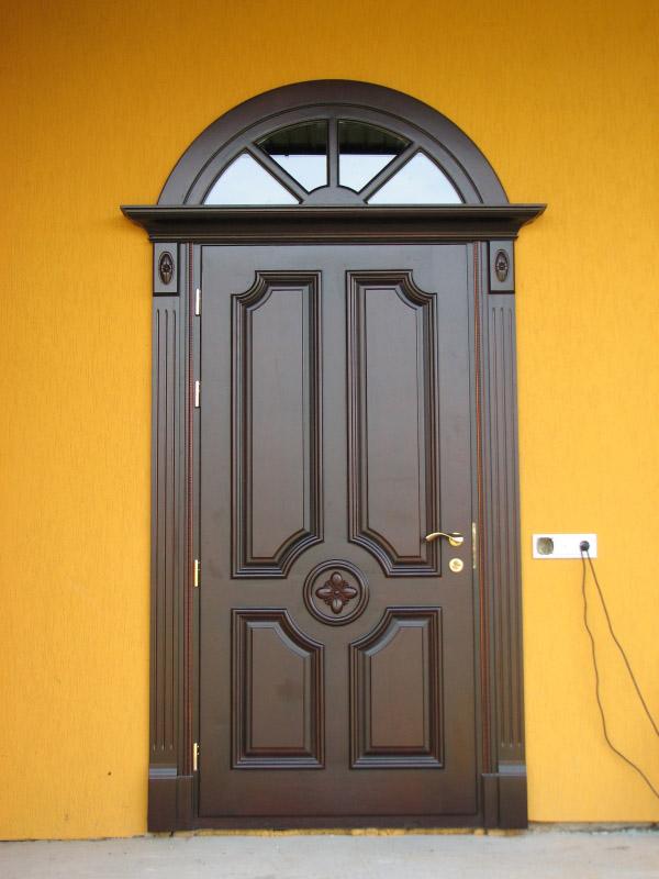 элитная дорогая входная дверь